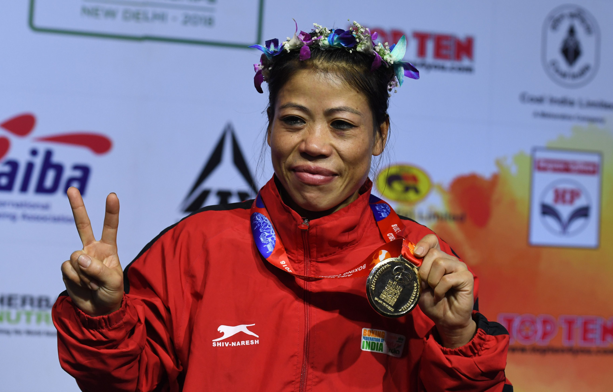 Tempers flare as Kom beats Zareen in trial bout for Olympic qualifier place
