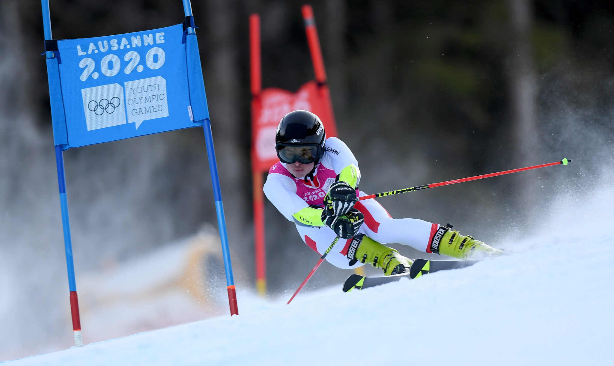Dominant display sees Hoffmann crowned Lausanne 2020 giant slalom champion