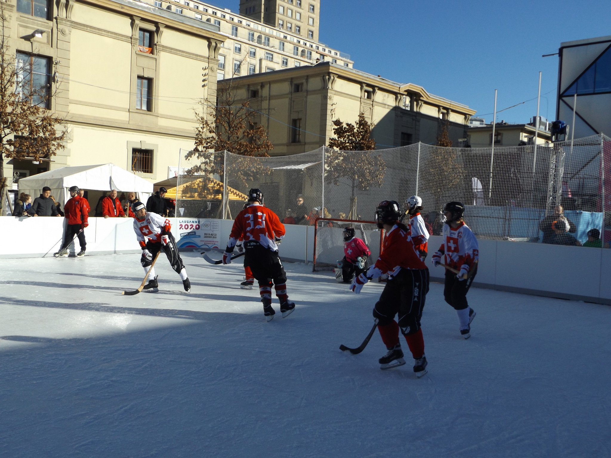 Bandy was demonstrated at the Lausanne 2020 Winter Youth Olympic Games ©ITG