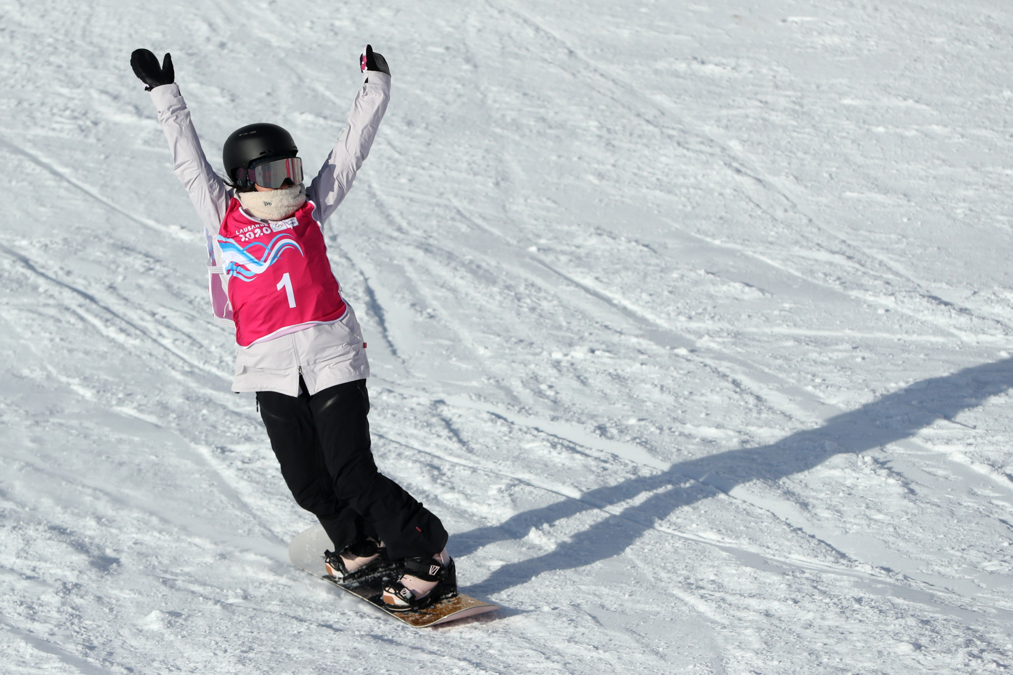 Hinari Asanuma triumphed in the women's snowboard big air event ©Getty Images