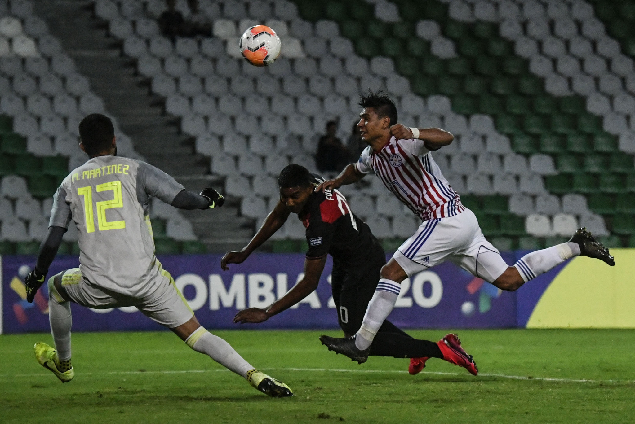 Paraguay defender Santiago Arzamendia scores an own goal in his side's 3-2 defeat to Peru ©Getty Images