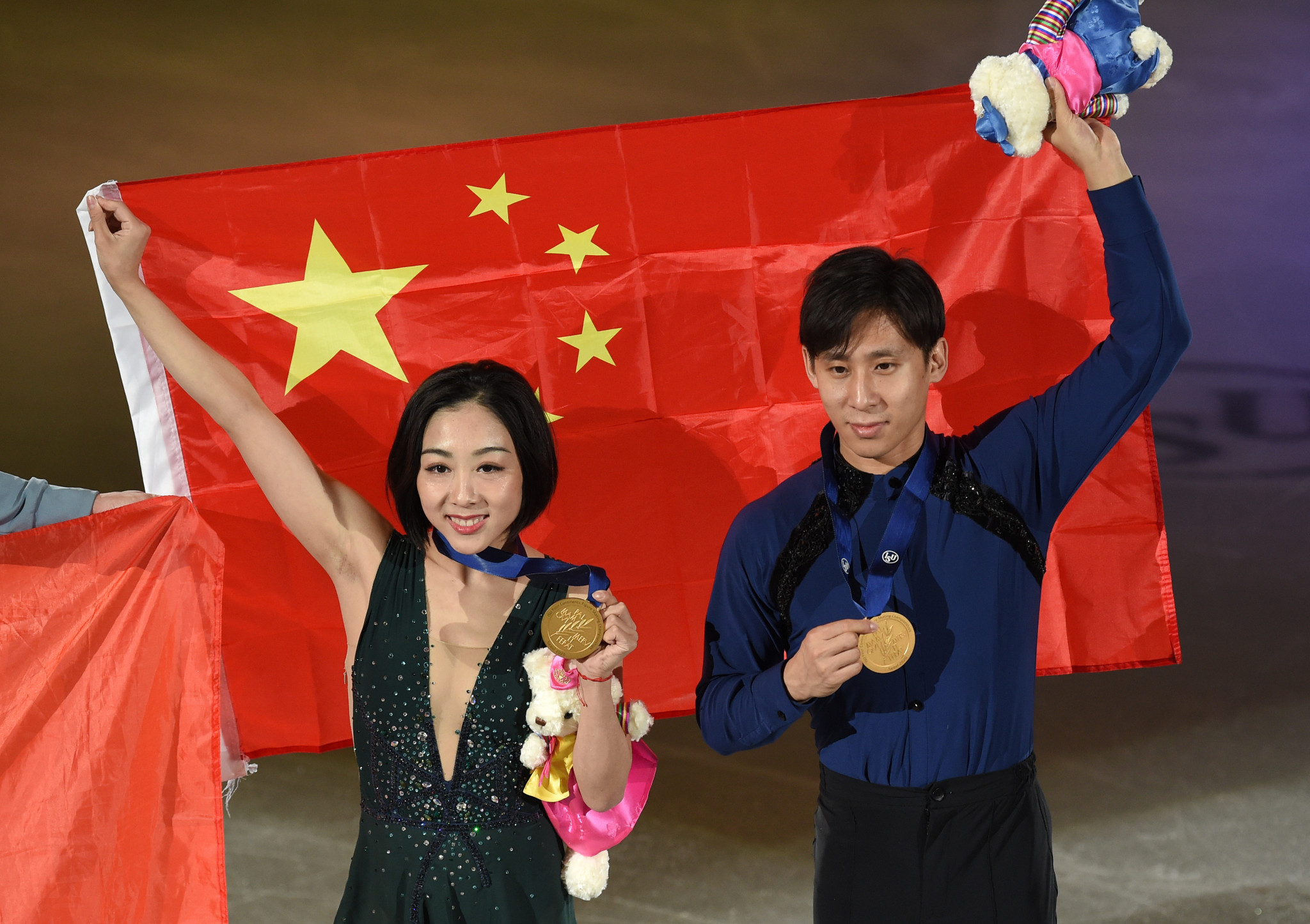Chinese pair Sui Wenjing and Han Cong took a comfortable gold in the pairs ©Getty Images