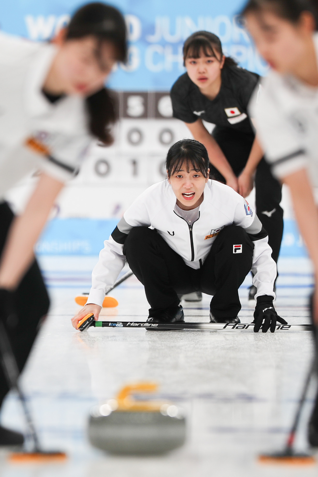South Korea's women's team have continued their tear at the World Junior Curling Championships with nine wins from nine ahead of the semi-finals in  Krasnoyarsk ©WCF