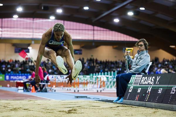 Rojas breaks 16-year-old world indoor triple jump record in Madrid