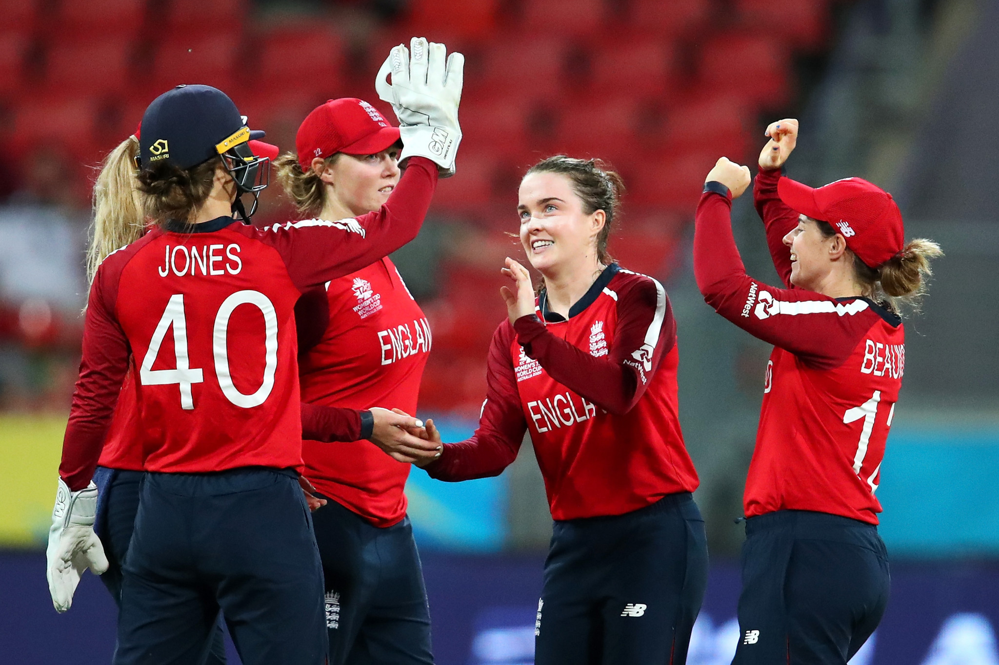 South Africa and England reach semi-finals of ICC Women's T20 World Cup in Australia