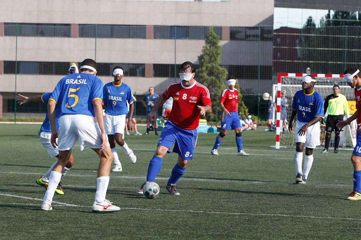 Clubs and national teams around the world will be able to apply for blind football equipment over the next few weeks ©IBSA