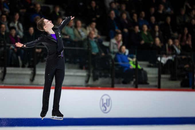 Mozalev earns men's title at ISU World Junior Figure Skating Championships