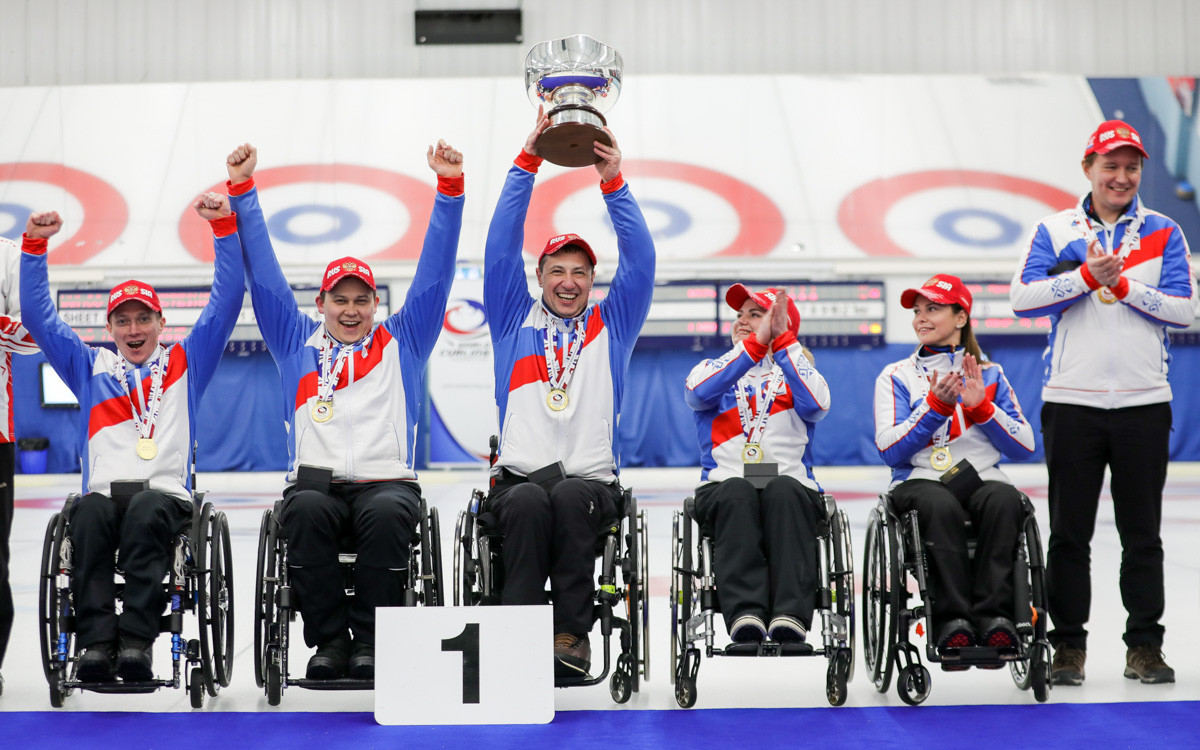 Russia celebrate after winning the World Wheelchair Curling Championship ©World Curling Federation