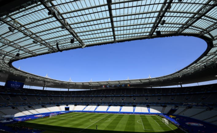 Paris 2024 had initially proposed building a permanent 15,000-capacity aquatics centre close to the Stade de France but altered their plans in 2018 ©Getty Images