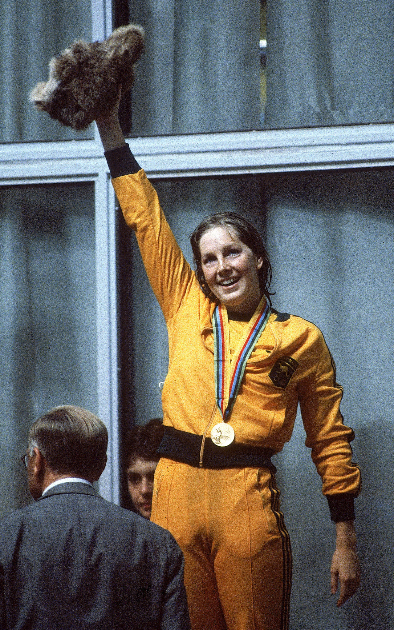 A victorious Michelle Ford receives her gold medal ©Getty Images