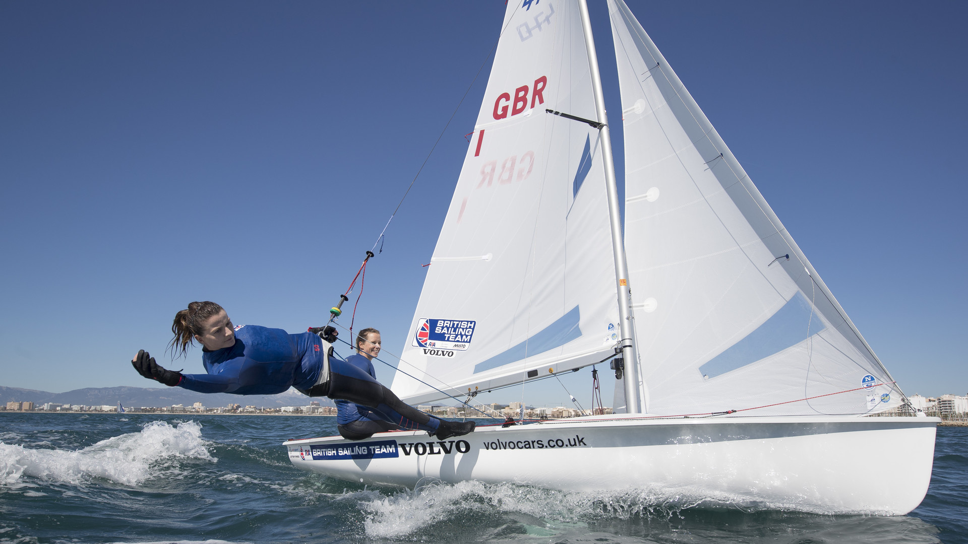British sailors Hannah Mills and Eilidh McIntyre are set to train together for the first time since the coronavirus lockdown ©Getty Images
