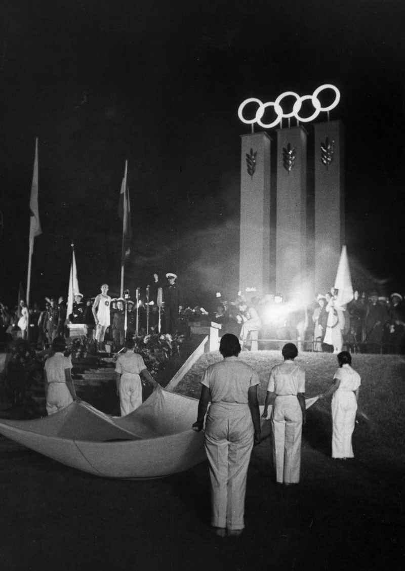 The Opening Ceremony of the 1936 Olympics in Berlin. © Keystone/Getty Images