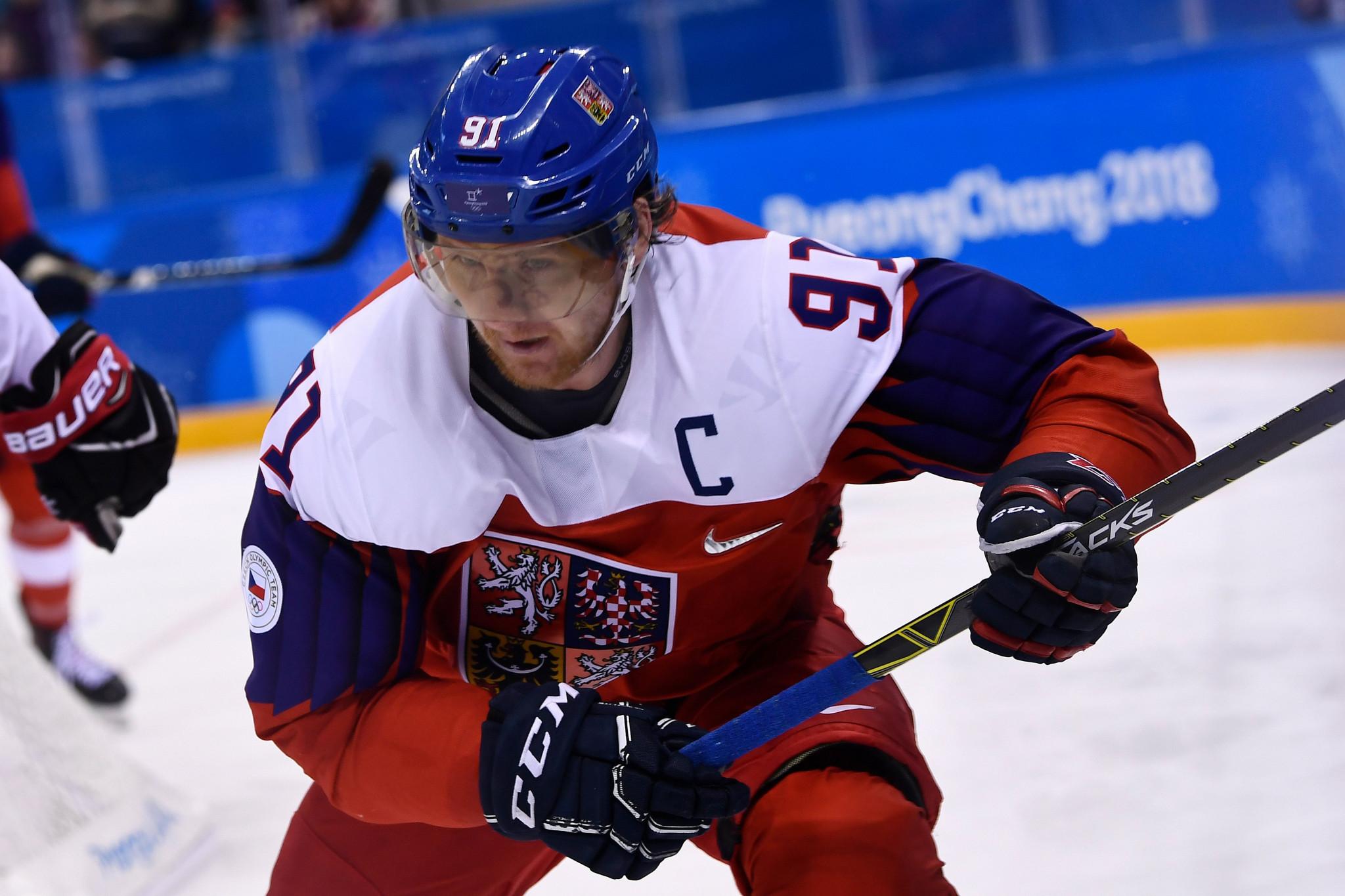 Czech ice hockey player Erat announces retirement