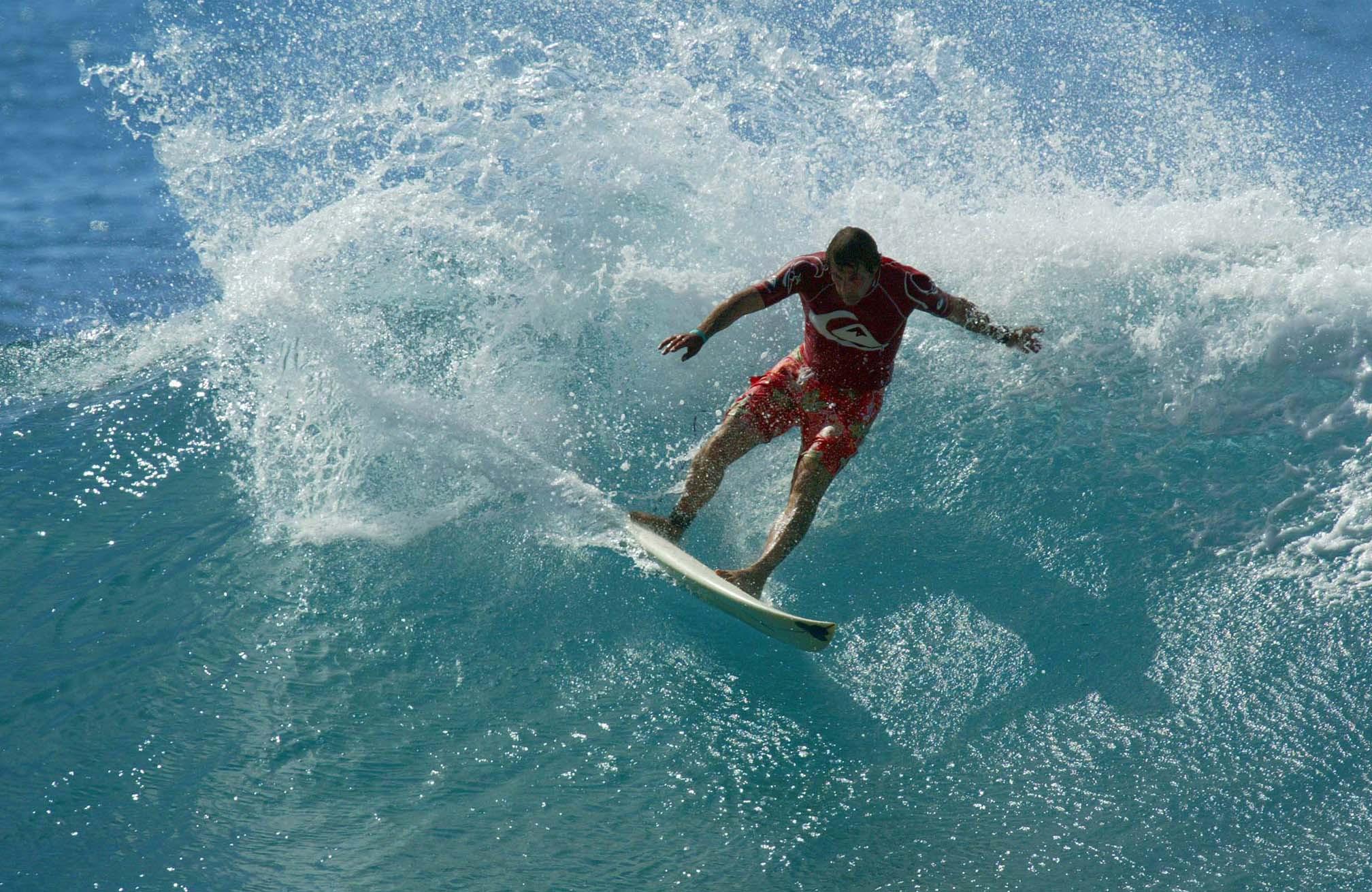 First Hawaiian world surfing champion Derek Ho dies at 55
