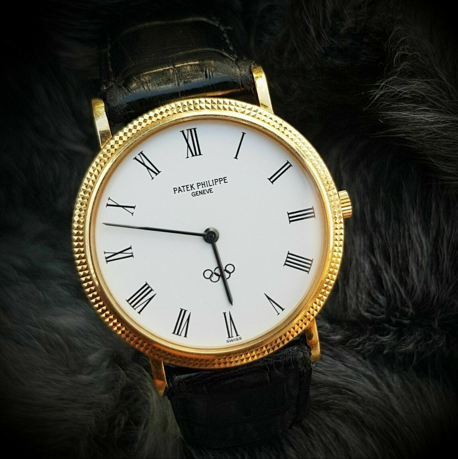 A 18K Patek Philippe watch given to a member of the International Olympic Committee sold for a five-figure sum ©RR Auction