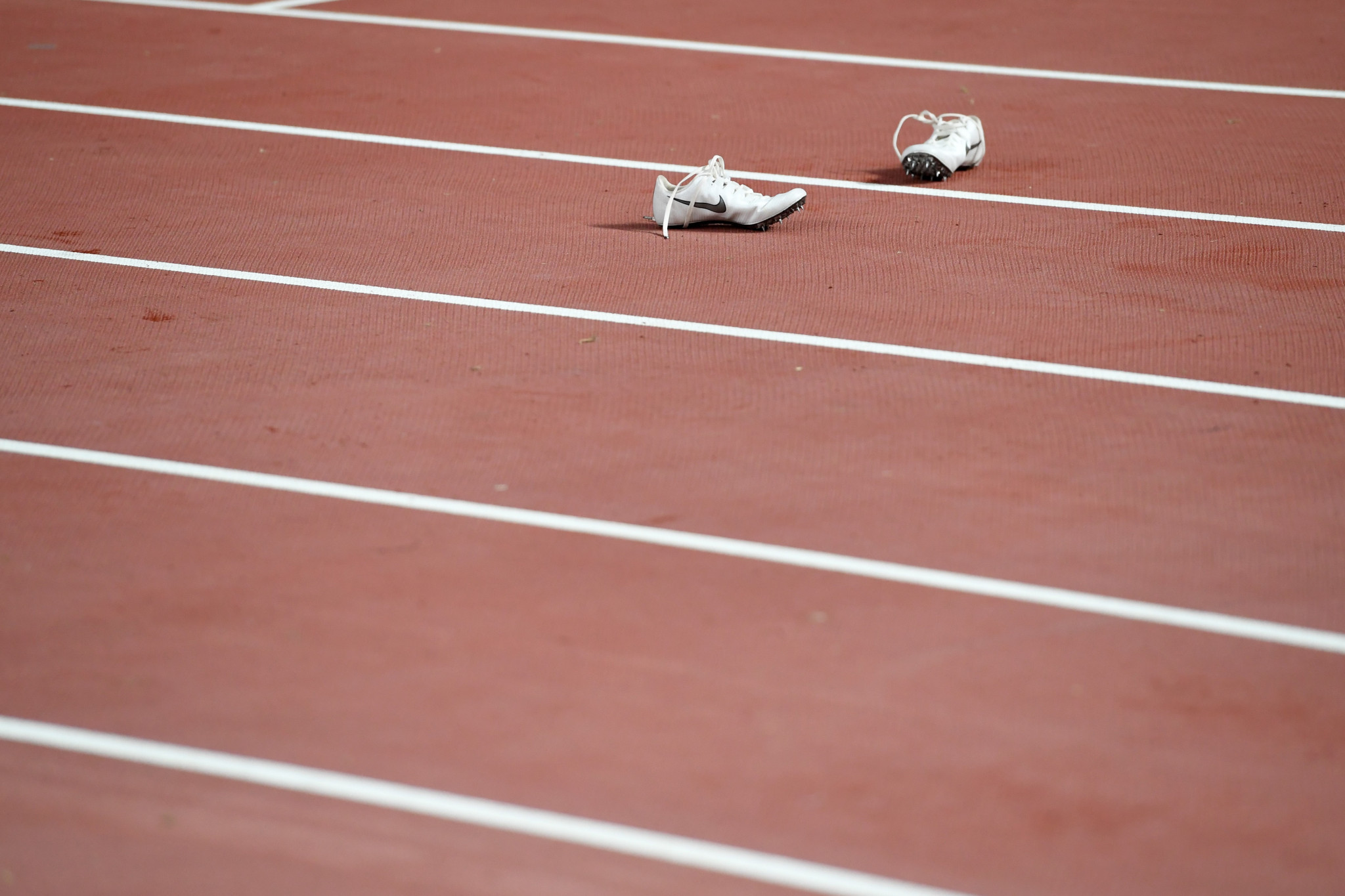 World Athletics issued a reminder of the rule which reduces the maximum allowable height of soles in spiked track shoes ©Getty Images