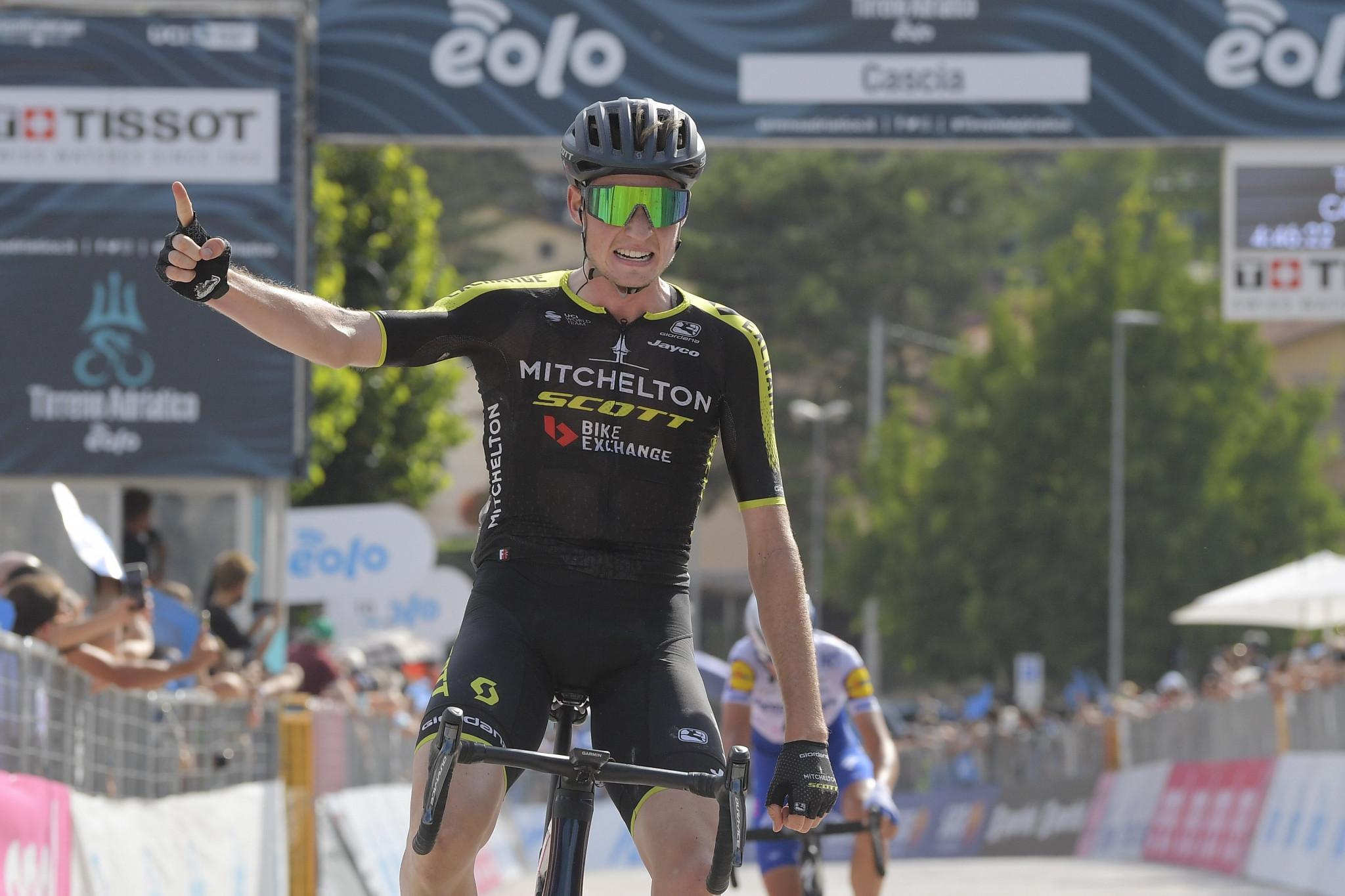 Hamilton wins stage four as Woods increases Tirreno-Adriatico lead