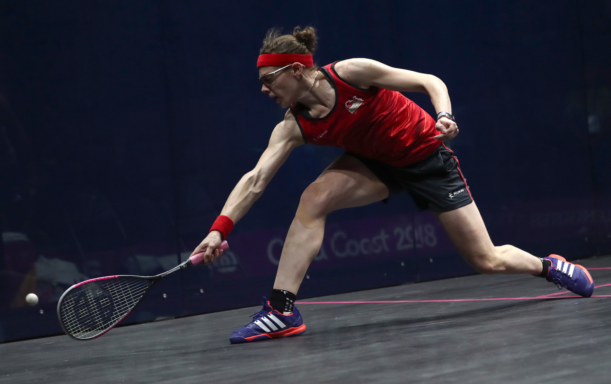 Sarah-Jane Perry overcame Hollie Naughton in a five-game thriller at the National Squash Centre ©Getty Images