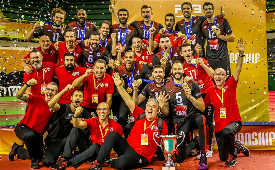 Italian clubs emerged as the winners of last year's men's and women's events ©FIVB