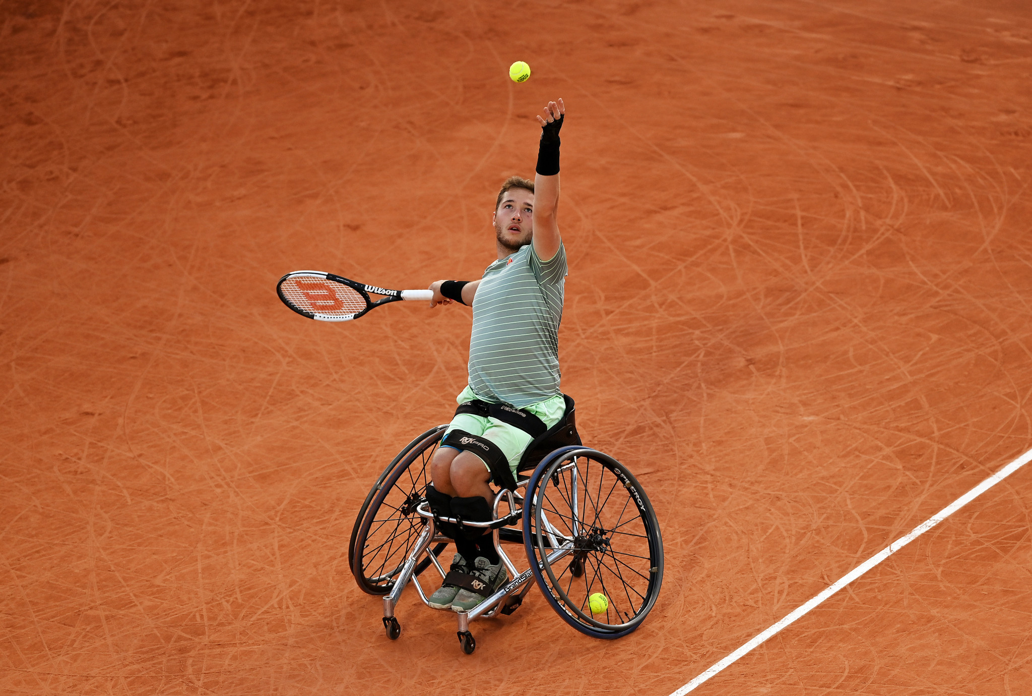 Top seeds advance as French Open wheelchair singles contests begin