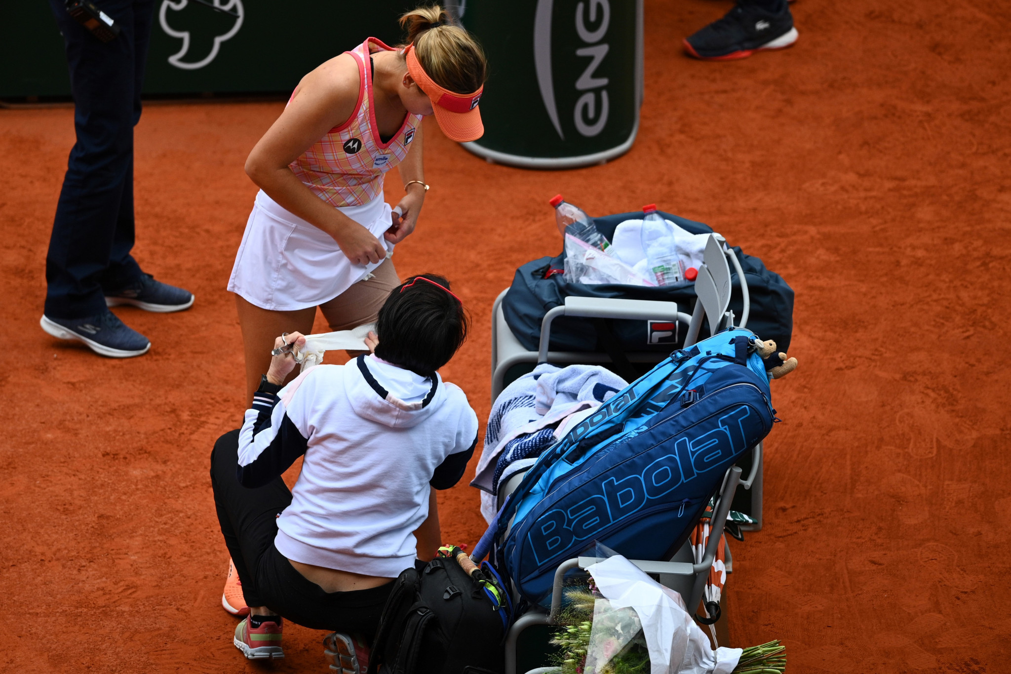 Kenin received treatment on her left thigh in the second set, but lost every game following the medical timeout ©Getty Images