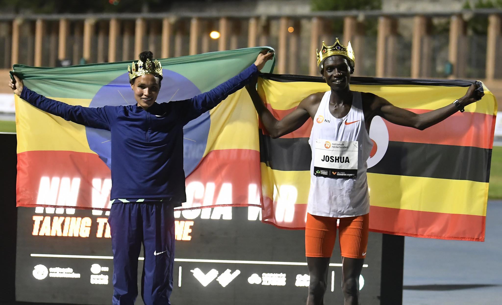 Athletes such as Letesenbet Gidey and Joshua Cheptegei have used Wavelight technology to break world records this season ©World Athletics