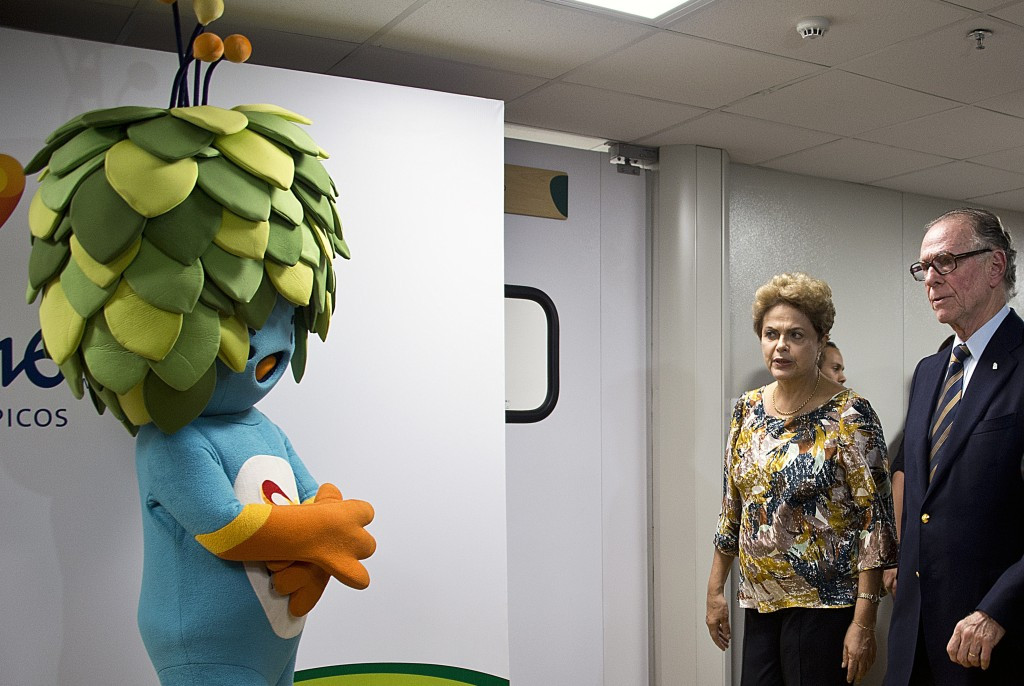 A Presidential Decree could be passed by Dilma Rousseff, pictured with Carlos Nuzman ©Getty Images