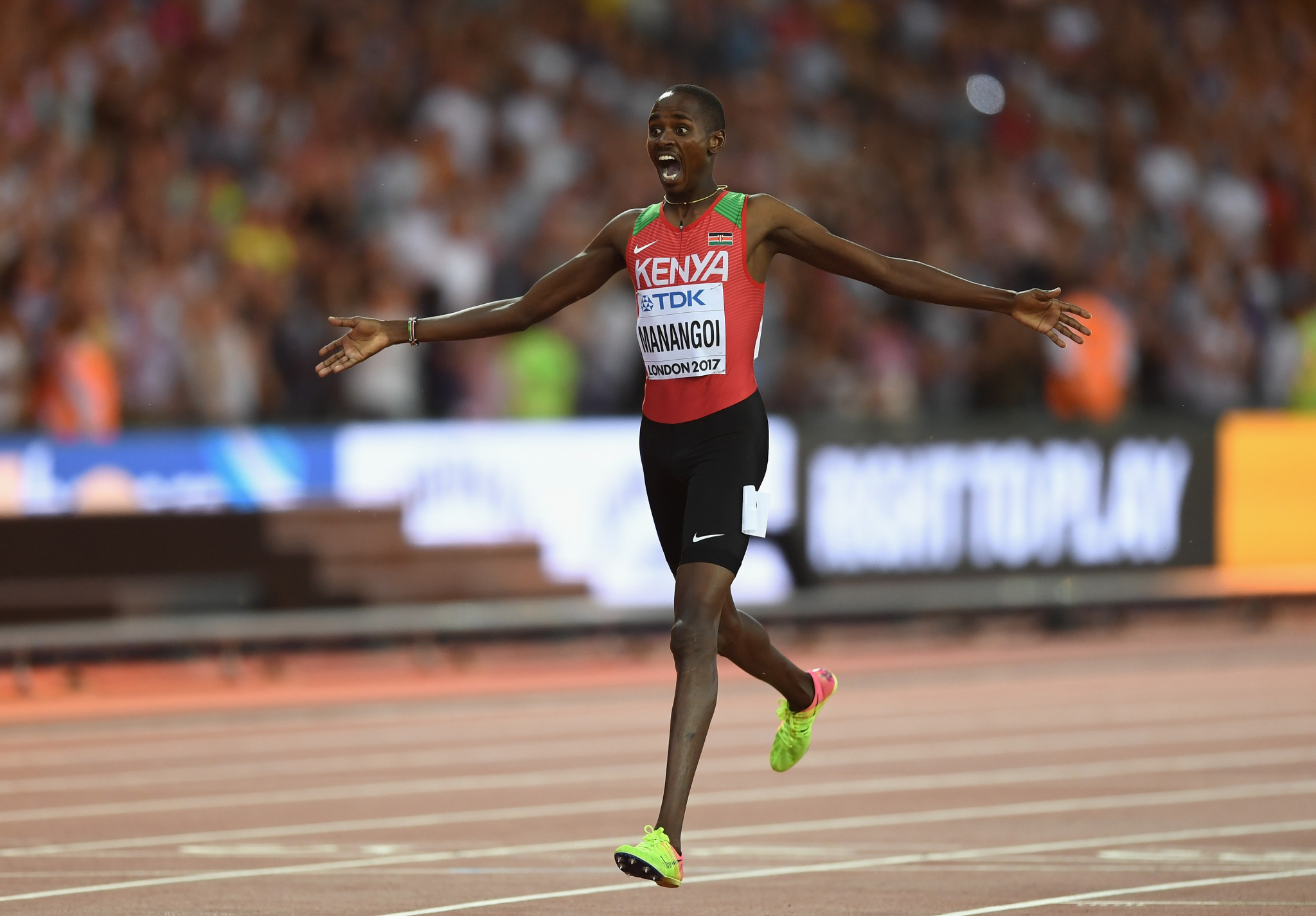 Elijah Manangoi celebrates winning the 1500m at the 2017 World Championships in London ©Getty Images