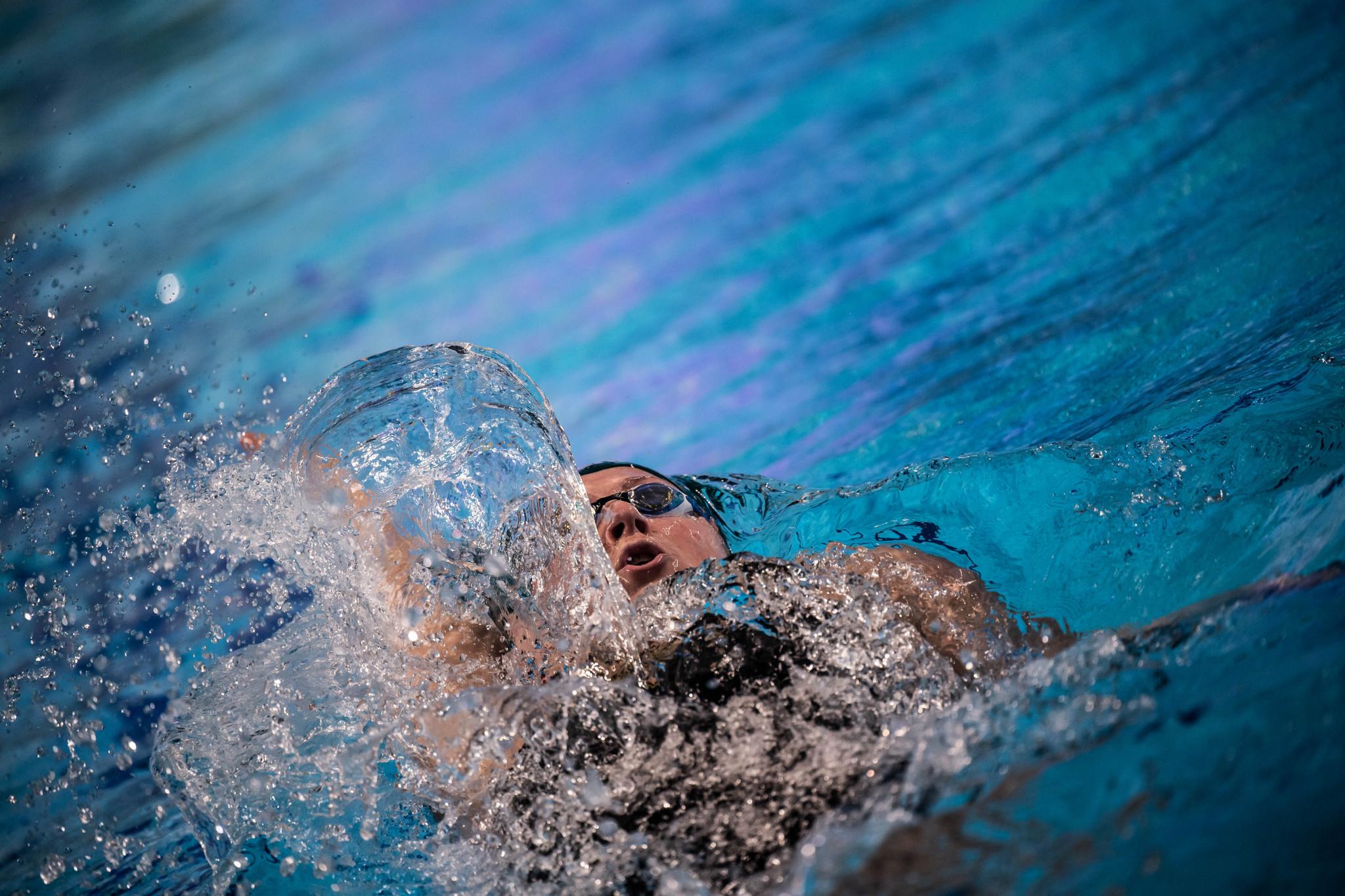 Toussaint breaks 50m backstroke world record as London Roar and Energy Standard dominate first ISL semi-final