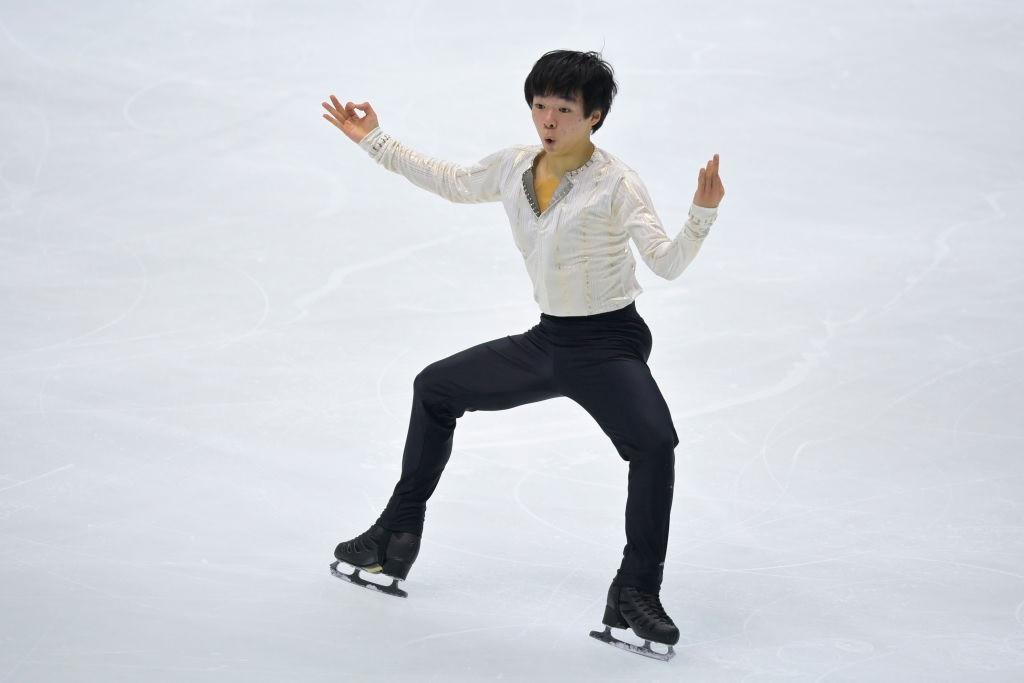 Debutant Kagiyama skates to lead at Osaka Grand Prix of Figure Skating event