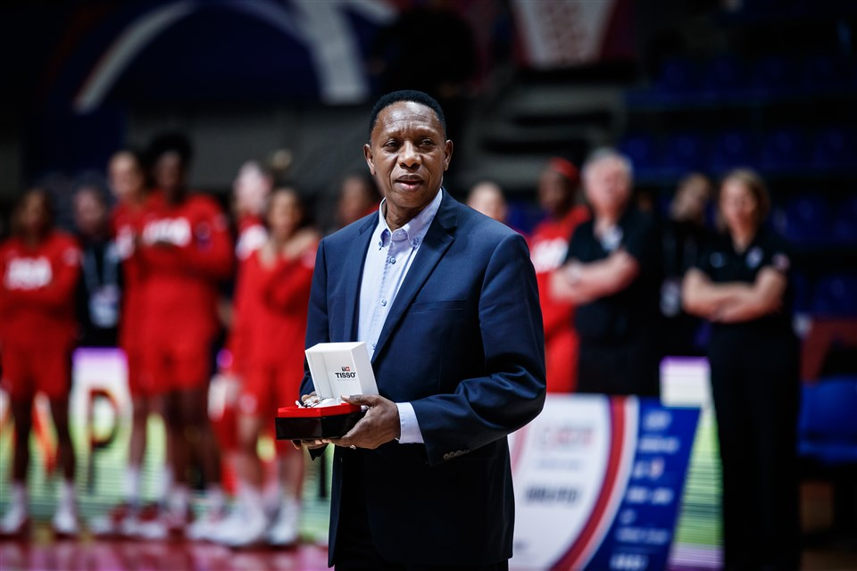 FIBA President Hamane Niang praised the efforts of the governing body's staff in 2020 ©FIBA