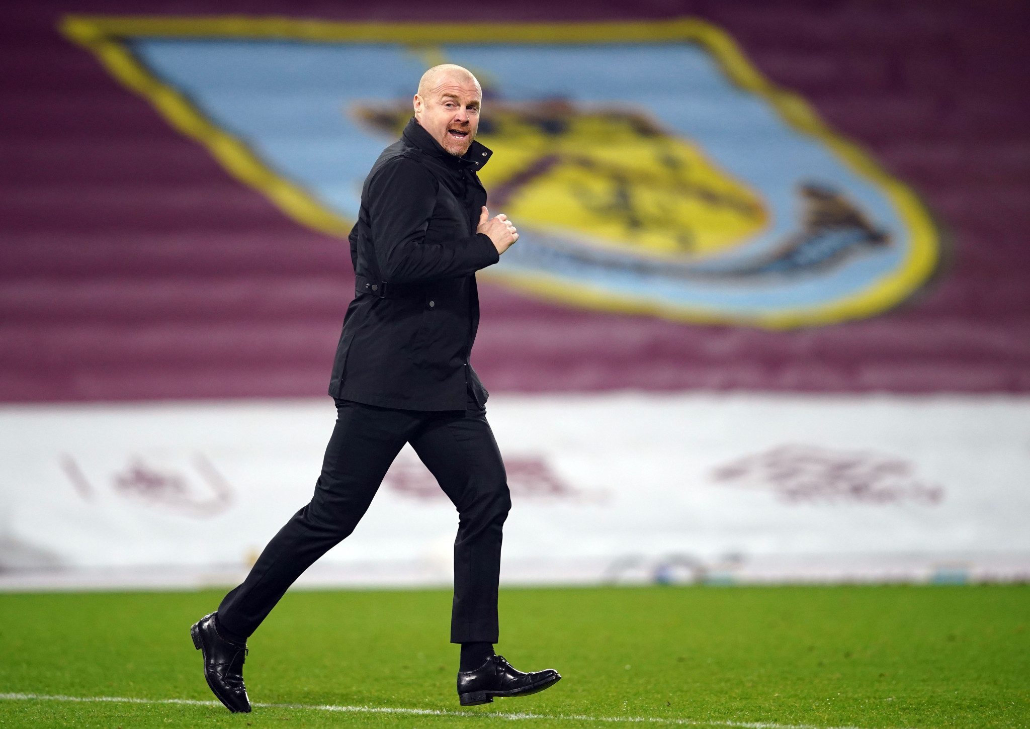 Burnley manager Sean Dyche has suggested vaccinations of Premier League players was the way forward for football ©Getty Images