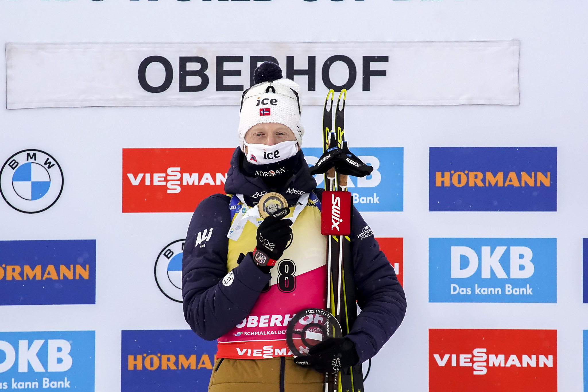 Johannes Thingnes Bø beat Norwegian rival Sturla Holm Lægreid to win the 10km sprint in Oberhof ©Getty Images