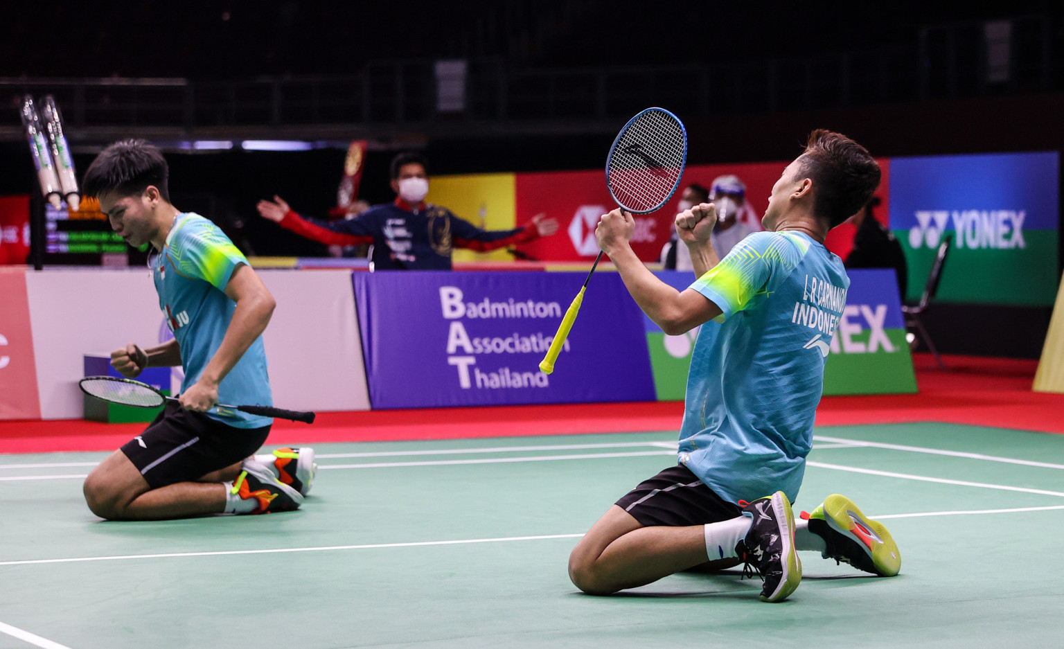 World junior champions knock out fifth seeds in Yonex Thailand Open men's doubles