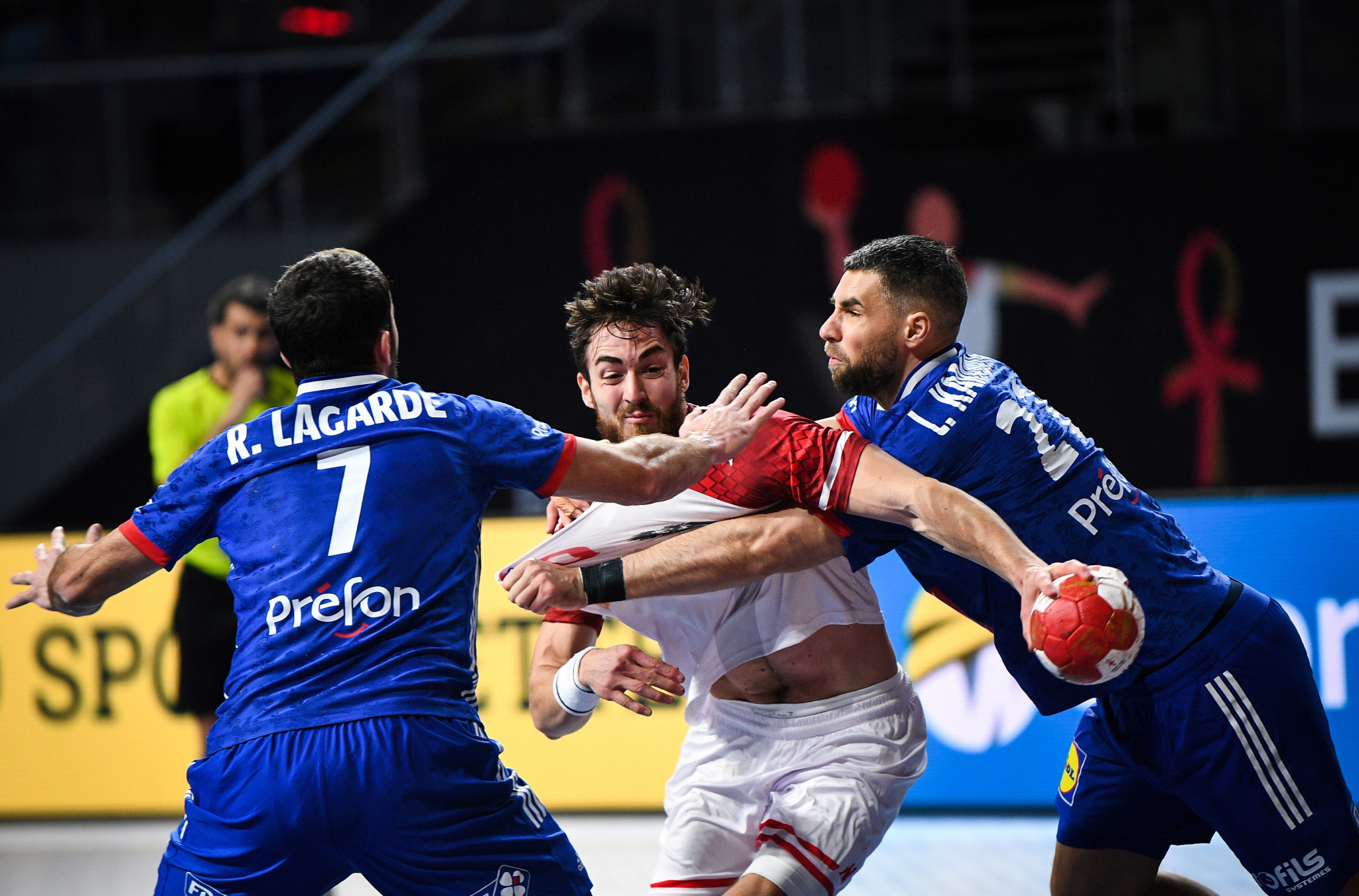 France were among the sides to qualify for the main round as the IHF World Men's Handball Championship continued in Egypt ©Handball Egypt