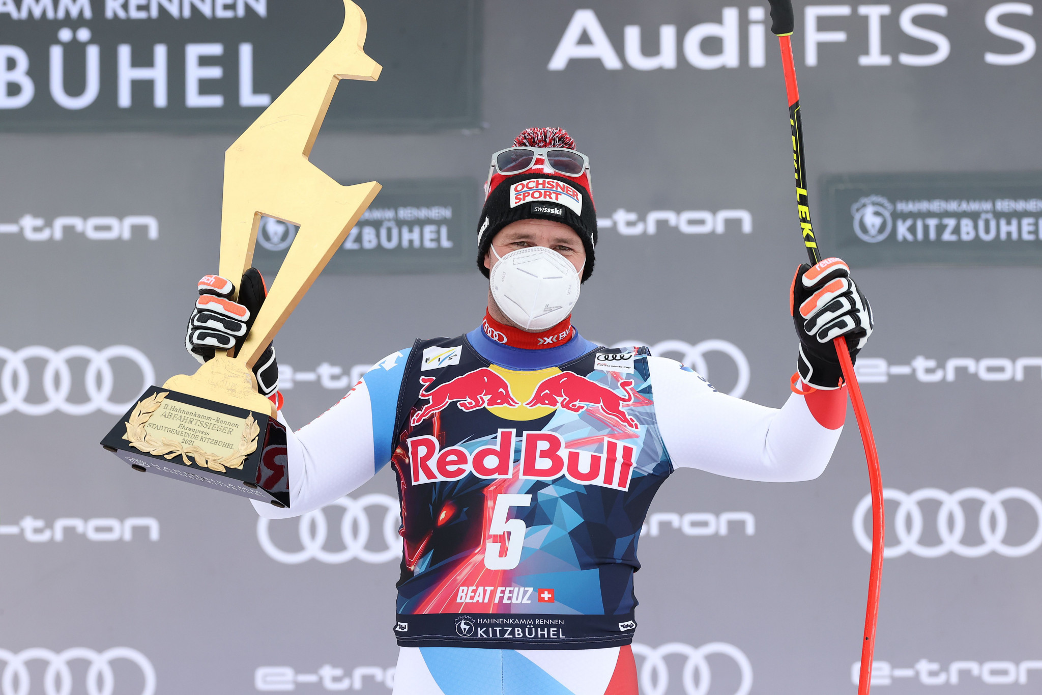 Feuz finally wins Kitzbühel downhill but Kryenbuhl airlifted to hospital