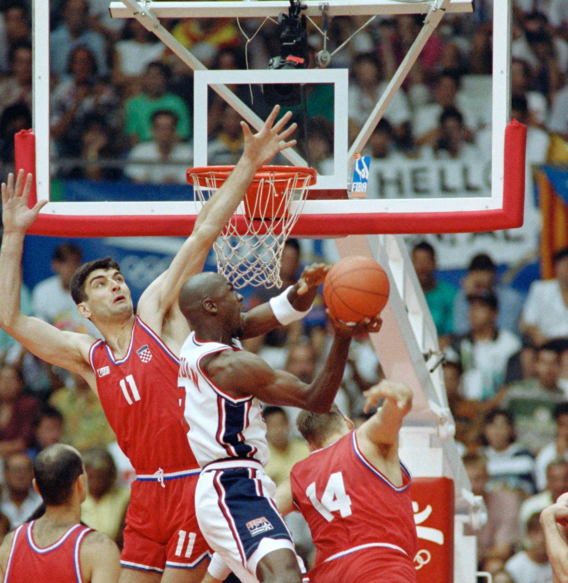 Backboard, net and rim from historic 1992 Olympic basketball tournament up for auction