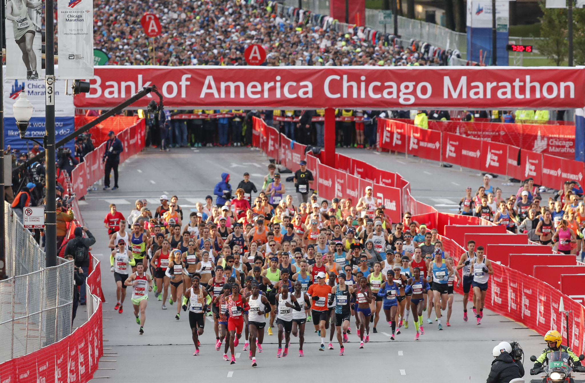 The Chicago Marathon and Boston Marathon are now set to be run on back-to-back days ©Getty Images