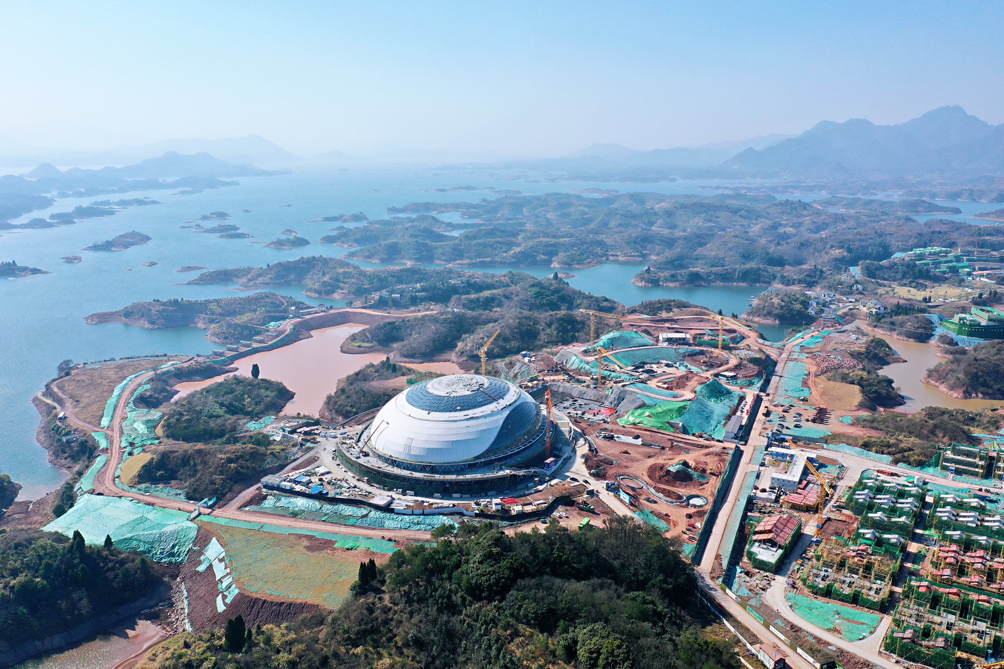 Mountain bike, road race, BMX, open water swimming and triathlon events will take place in the venue cluster around the velodrome ©Hangzhou 2022