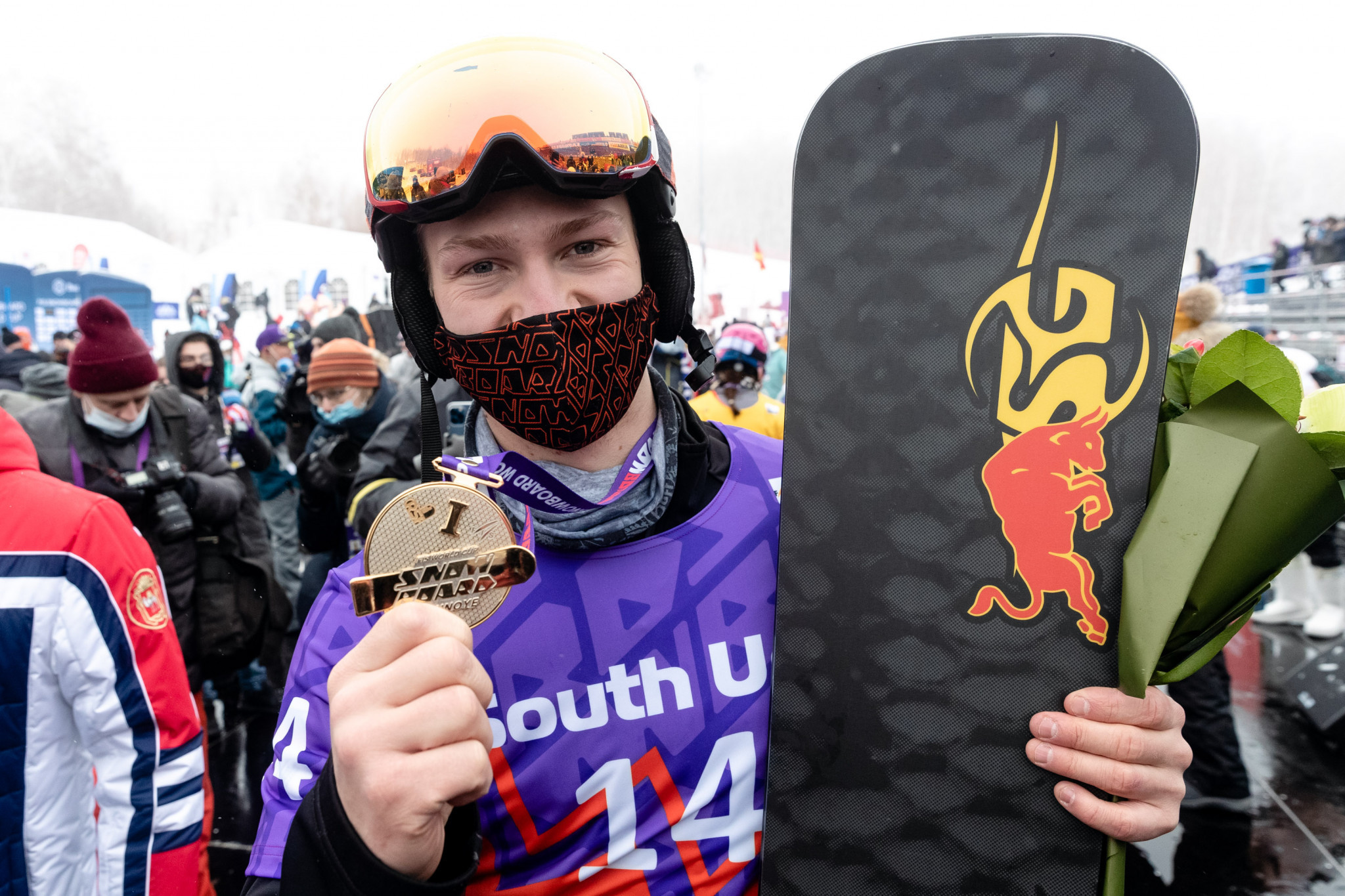 Loginov and Zogg victorious on second day of Snowboard World Cup in Russia