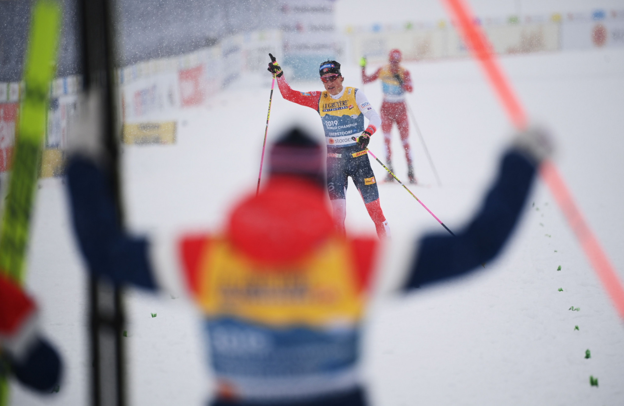 Klæbo holds firm to win men's relay gold for Norway at Nordic World Ski Championships
