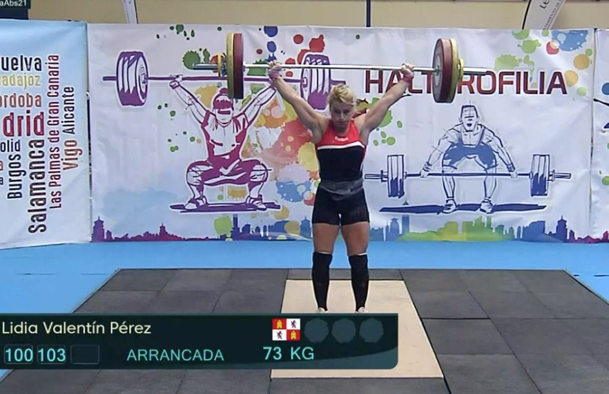 One of the world's most popular weightlifters Lidia Valentin in action in Leon as part of the Absolute Spanish Cup ©Brian Oliver
