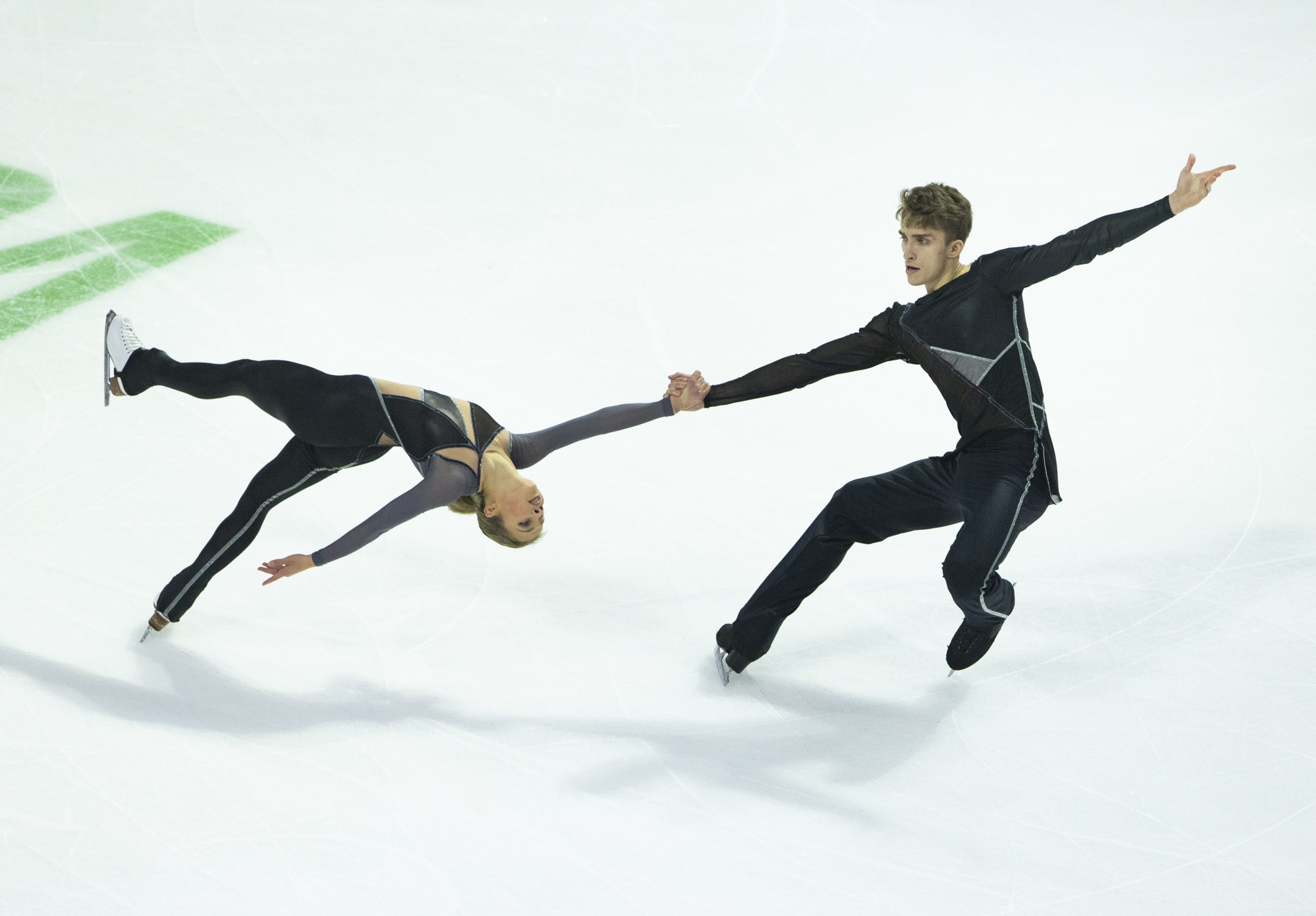Alisa Efimova and Alexander Korovin of Russia struck gold in the pairs competition at Krasnoyarsk 2019 ©Getty Images