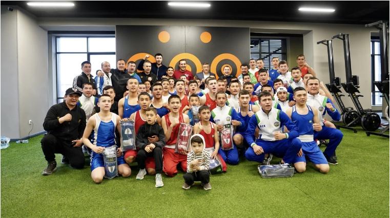 AIBA President Kremlev holds joint training session with Uzbekistan boxers