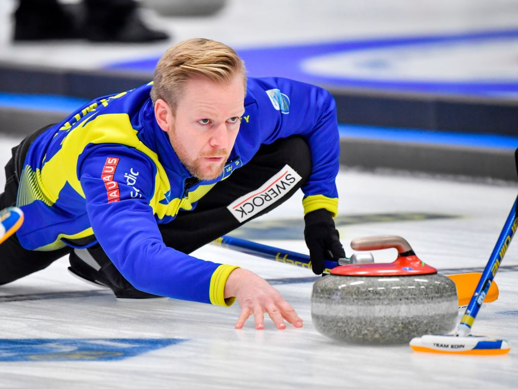 Sweden book playoff place with win over Canada at World Men's Curling Championship