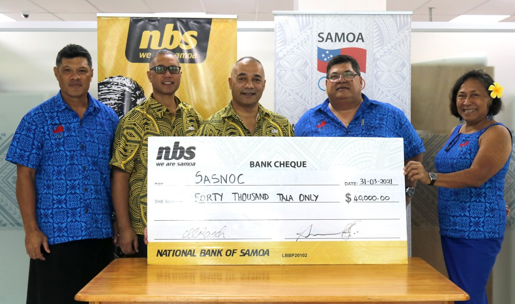 National Bank of Samoa has made a donation to the country's National Olympic Committee ©SASNOC