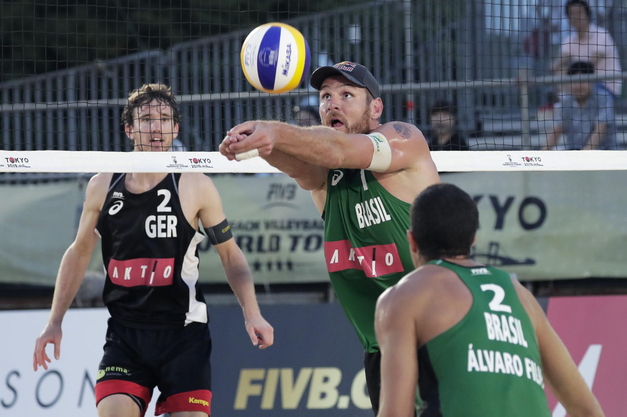 Alison Cerutti and Alvaro Filho are through to the quarter-finals of the men's tournament ©Getty Images