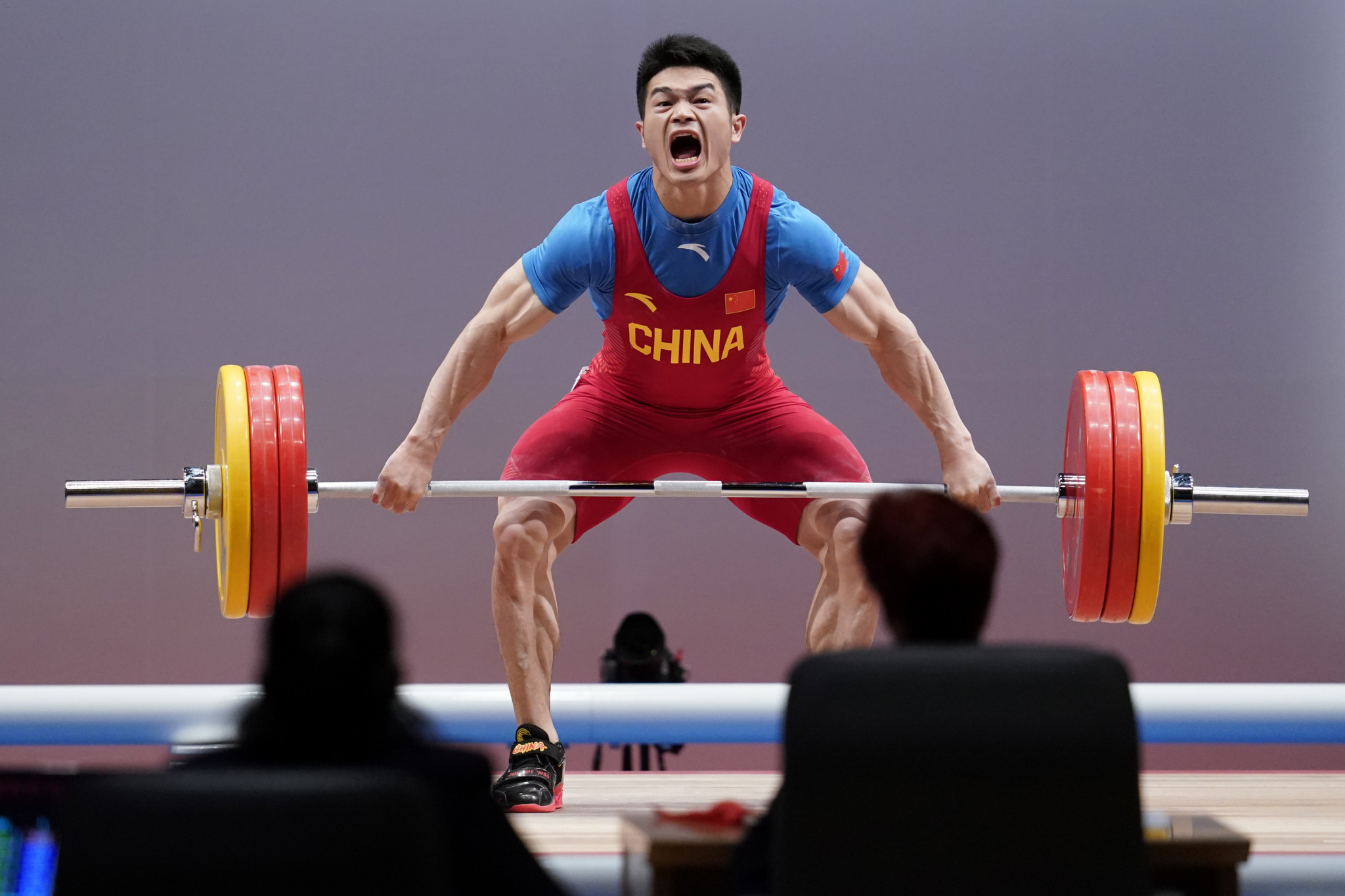 China's Shi and United States' Delacruz shine at continental weightlifting championships
