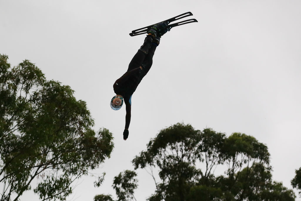"""New facility in Queensland gives Australian freestyle skiers """"an edge"""" ahead of Beijing 2022"""