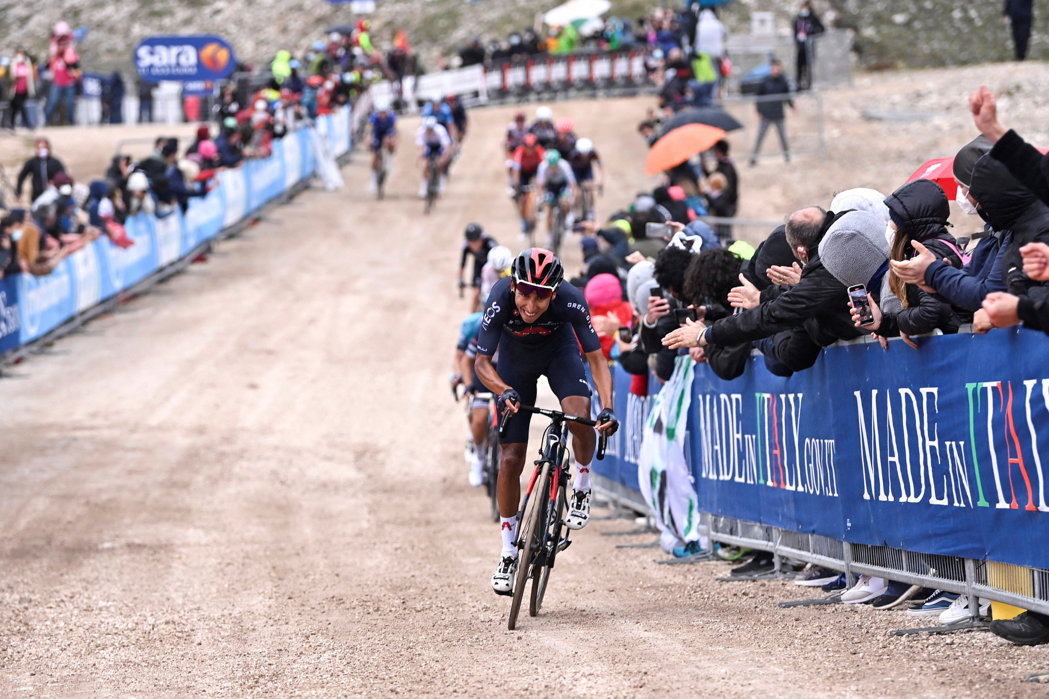 Bernal wins stage nine to take race lead at Giro d'Italia